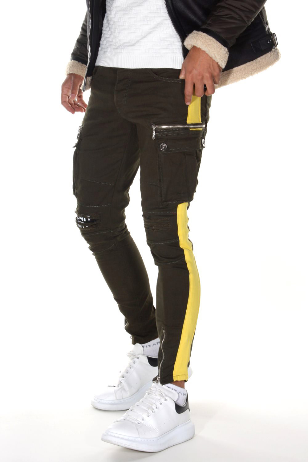 BRIGHT Ankle Cargo trousers at oboy.com