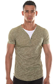 MADMEXT T-shirt Henley-Kragen at oboy.com