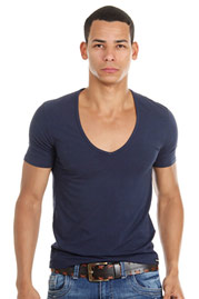 DOREANSE t-shirt deep v-neck at oboy.com