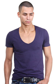 DOREANSE t-shirt v-neck at oboy.com