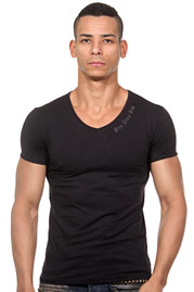 SIXTWOSIX t-shirt V neck at oboy.com
