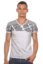 R-NEAL t-shirt v-neck at oboy.com