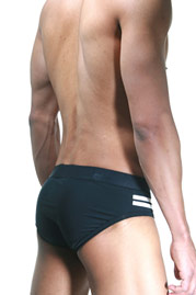 2(X)IST MILITARY STRIPE no-show brief at oboy.com